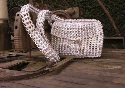 Soda pop-top shoulder bag, 'Silver Success' - Fair Trade Recycled Aluminum Shoulder Bag