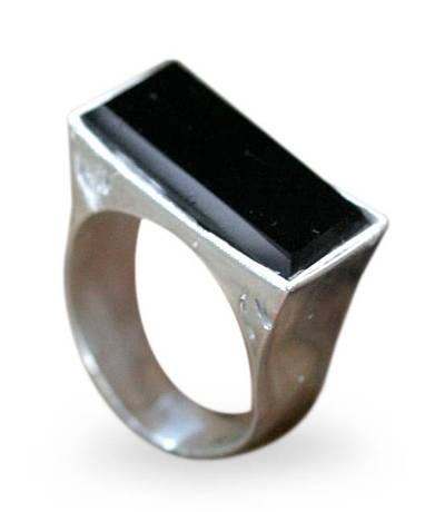 Onyx cocktail ring, 'Brasilia Lady' - Hand Made Sterling Silver and Onyx Ring