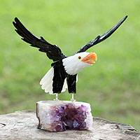 Calcite and amethyst sculpture, 'Brave American Eagle' - Calcite and amethyst sculpture
