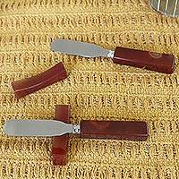 Agate spreader knives and rests, 'Caramel Brown Deli' (pair) - Agate spreader knives and rests (Pair)