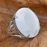 Agate cocktail ring, 'Oval Facets' - Artisan Crafted Faceted White Agate Cocktail Ring