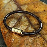 Men's leather bracelet, 'Gold Trendsetter Spirit Brown' - Men's Jewelry Brown Leather Bracelet with Golden Clasp