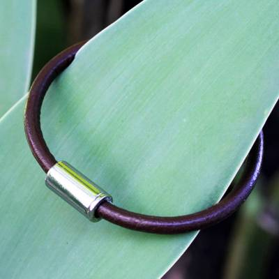 Men's leather bracelet, 'Trendsetter Spirit Brown' - Men's jewellery Brown Leather Bracelet with Magnetic Clasp
