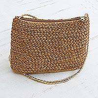 Golden grass shoulder bag, 'Woven Sunlight' - Handcrafted Braided Golden Grass Shoulder Bag from Brazil