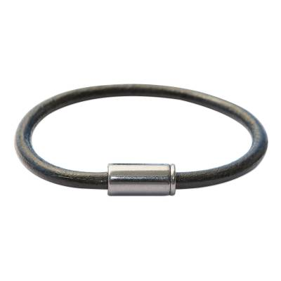 Men's leather cord bracelet, 'Black and Graphite Trendsetter' - Men's Jewelry Black & Graphite Leather Cord Bracelet