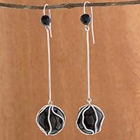 Agate and onyx dangle earrings,