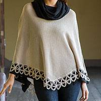 100% alpaca poncho, 'Huanta Beige Roses' - Genuine Alpaca Poncho in Beige and Black from Peru