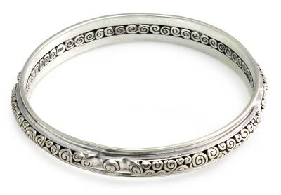 Sterling silver bangle bracelet, 'Circle of Life' (7.25 inch) - Hand Made Sterling Silver Bangle Bracelet (7.25 inch)