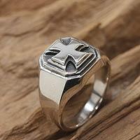 Men's sterling silver signet ring, 'Maltese Cross' - Men's Handcrafted Sterling Silver Signet Ring
