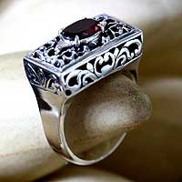 Garnet filigree ring, 'Royal Coronation' - Sterling Silver and Garnet Ring