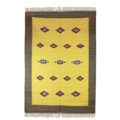 Wool dhurrie rug, 'Sunshine and Starlight' (4x6) - Wool Dhurrie Rug in Yellow/Multi (4x6)