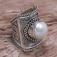 Cultured pearl cocktail ring, 'Glowing Heroine' - Wide Silver and Cultured Mabe Pearl Ring from Bali