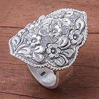 Sterling silver cocktail ring, 'Charming Daisies'