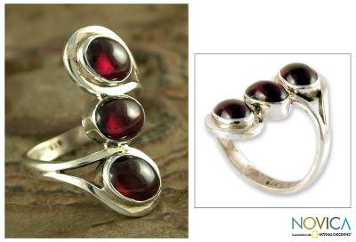 Garnet cocktail ring, Melody