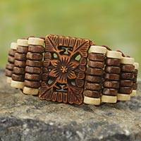 Wood stretch bracelet, 'Kumasi Blossom'