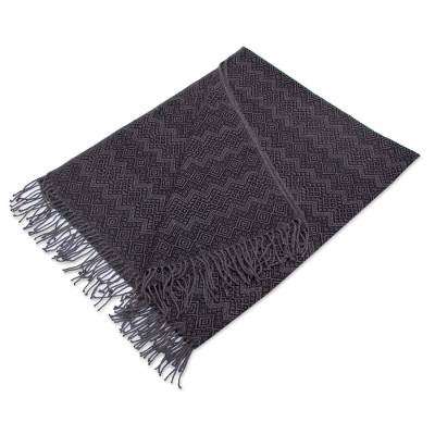 Throw Blanket with Diamond Motifs in Smoke and Black