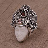 Garnet cocktail ring, 'Janger Crown'