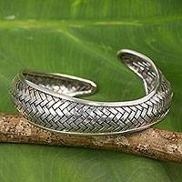 Silver cuff bracelet, 'Swimming Fish'