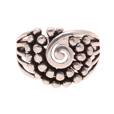 Sterling silver band ring, 'Modern Swirl' - Swirl Pattern Sterling Silver Band Ring from India
