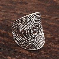 Sterling silver band ring, 'Glorious Rope' - Rope-Pattern Sterling Silver Band Ring from India