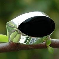 Onyx cocktail ring, 'Dark Eyes' - Onyx cocktail ring