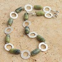 Serpentine link necklace, 'Olive' - Serpentine link necklace
