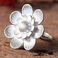 Silver flower ring, 'Bright Blossom' - Silver flower ring