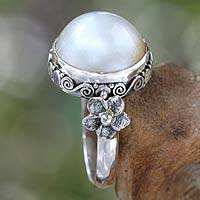 Pearl flower ring, 'Bridal Moon' - Pearl and Sterling Silver Floral Ring