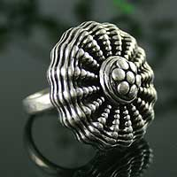 Sterling silver cocktail ring, 'Dancing Anemone' - Sterling silver cocktail ring