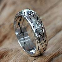 Sterling silver band ring, 'Singaraja Weave' - Unisex Braided Sterling Silver Ring from Bali