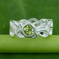 Peridot flower ring, 'Lotus Wreath' - Sterling Silver Band Ring with Peridot Solitaire