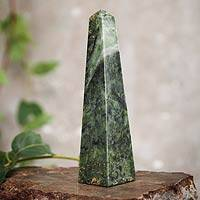 Jade obelisk, 'Prosperity' (large) - Geometric Jade Obelisk Sculpture from Peru (Large)