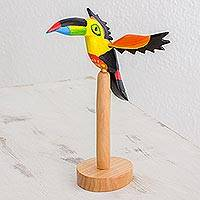 Pinewood sculpture, 'Guatemala Toucan' - Pinewood sculpture