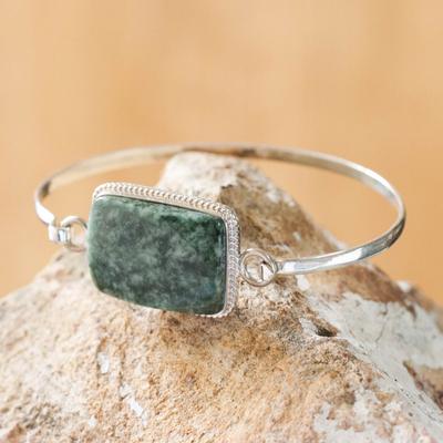Jade bangle bracelet, 'Mixco Modern' - Jade bangle bracelet