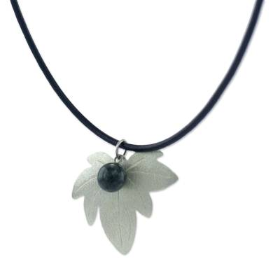 35c5076114d Sterling silver and jade pendant necklace