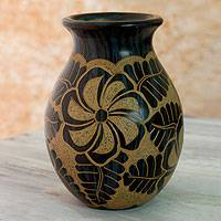 Ceramic decorative vase, 'Madriz' - Engraved Terracotta Vase from Central America