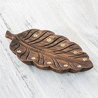 Wood catchall, 'White Daisy Laurel Leaf' - Handcrafted Wood Catchall from El Salvador