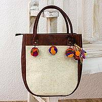 Wool and leather accent shoulder bag, 'Momostenango Elegance' - White Wool Shoulder Bag with Brown Leather Accents