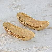Wood appetizer bowls, 'Canoe' (pair) - Hand Carved Coffee Root Wood Catchall Trays