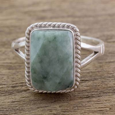Jade cocktail ring, 'Green Nuances' - Guatemala Handcrafted Sterling Silver and Faceted Jade Ring