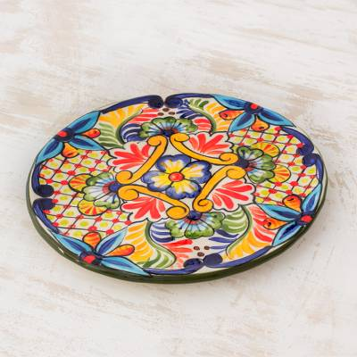 Ceramic luncheon plate, Ahuachapan Flowers