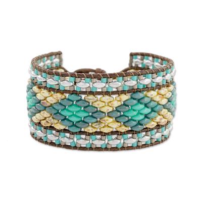 Diamond Motif Glass Beaded Wristband Bracelet in Blue
