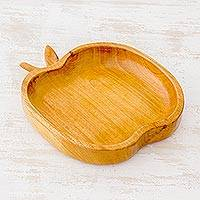 Cedar wood serving dish, 'Delicious Apple' - Attractive and Functional Cedar Wood Apple Dish