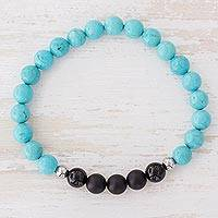 Men's agate beaded stretch bracelet, 'Soft' - Men's Agate and Turquoise Beaded Bracelet from Costa Rica
