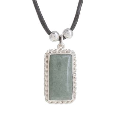 Handmade Jade Pendant Necklace in Apple Green from Guatemala