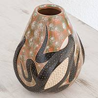 Ceramic decorative vase, 'Above the Sand' - Lizard-Themed Ceramic Decorative Vase from Nicaragua