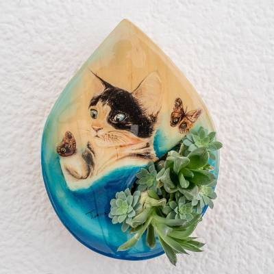 Wood wall-mounted planter, Playful Cat