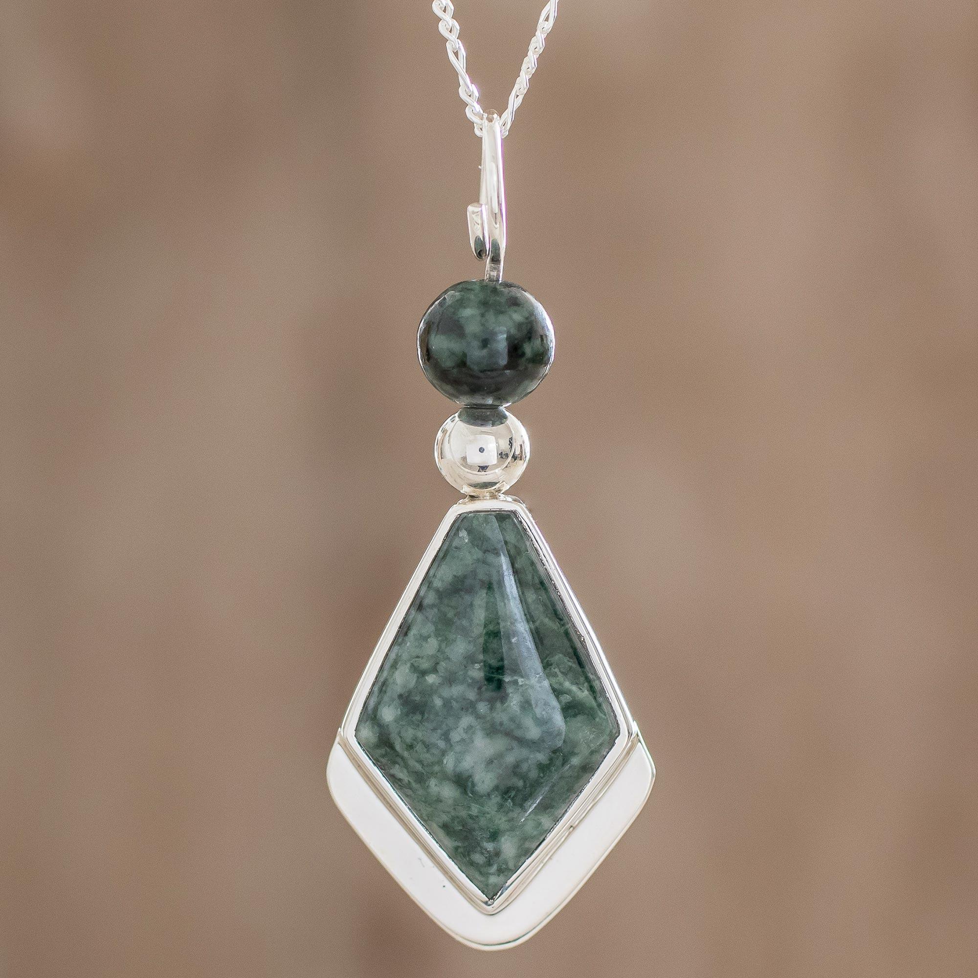 ea65a3704f Arrow-Shaped Green Jade Pendant Necklace from Guatemala - Green ...