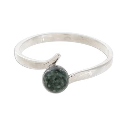 Round Jade Single-Stone Ring in Dark Green from Guatemala