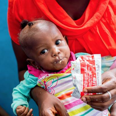 Peanut paste for a malnourished child - Peanut paste to save a child from malnutrition